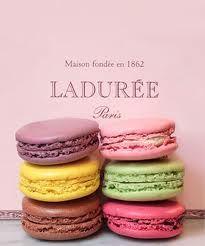 Desde 1871, los macarrones más deliciosos y creativos de París están en la pastelería Ladureé