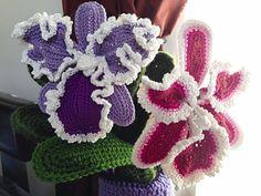 Cattleya Orchid Crochet Flower ~ free pattern