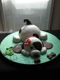 Adorable, my daughter would have loved this when she was smaller. Puppy Cake Idea