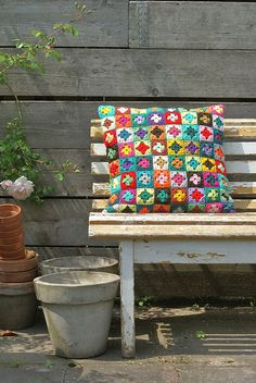 crochet projects, crochet granny squares, bench, color, decorating ideas