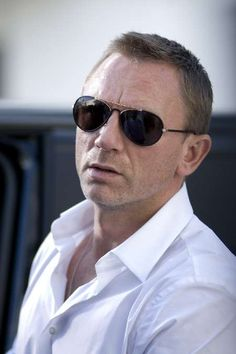 Daniel Craig looking awesome.