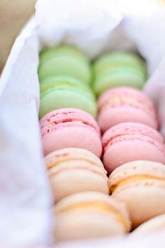 Pastel colored macarons. They look delicious!