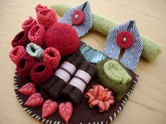 patchwork textile pin - www.kjoo.etsy.com
