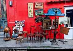 Antiques shop, Portobello Road, Notting Hill, London, England, United Kingdom, Europe