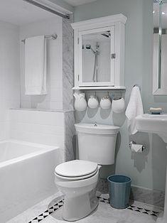 cute, small bathroom