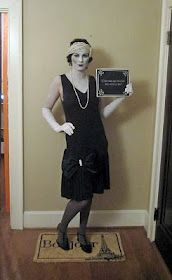 Black & white flapper from the silent movies. Brilliant Costume Idea