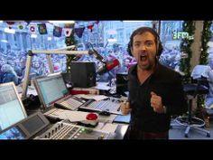 ▶ Gerard Ekdom doet Living Doll in het Glazen Huis 2013 - YouTube