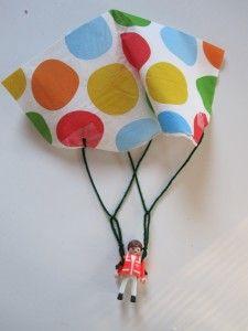 Toy Parachute Craft  #GaleriAkal Untuk berbagi ide dan kreasi seru si Kecil lainnya, yuk kunjungi website Galeri Akal di www.galeriakal.com Mam!