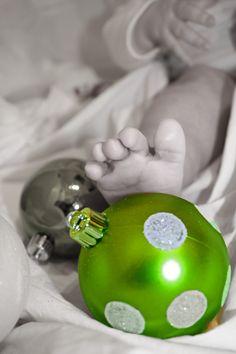 baby christmas feet