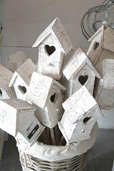 so many birdhouses ... I think my head may very well explode!!