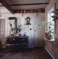 {heart} wood-burning stove, wood walls n floors