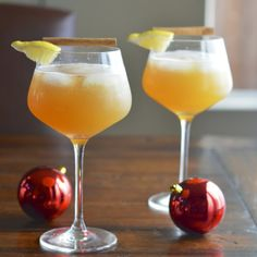 Sparkling Apple Cinnamon Cocktail
