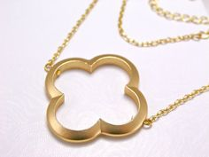 I'm loving quatrefoil jewelry right now!