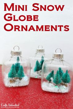 Mini Snow Globe Christmas Ornaments - #DIY #tutorial #craft #crafts #Christmas #tree #ornament #snow #globe #winter #scene