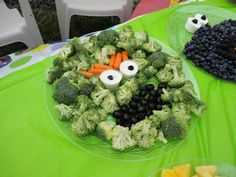 Oscar the grouch vegetable tray