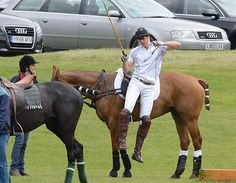 Semi-HSM jump off a horse. Very nice Prince William!