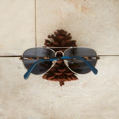 Give #TOMSEyewear as a gift and tell your loved one that the three colors on the temples represent TOMS, them and the person who receives prescription glasses or corrective eye surgery thanks to this purchase.
