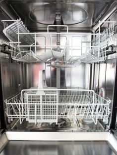 10 Things you can clean in your dishwasher.  Clever, simple ideas.