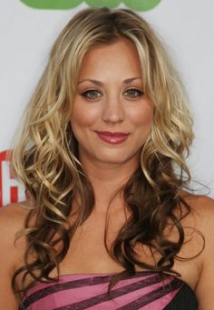 two tone hair | Kaley Cuoco, beauty, blonde, hair, color, singlepost