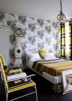 Papier peint on pinterest floral wallpapers orla kiely - Papier peint noir et blanc rayures ...