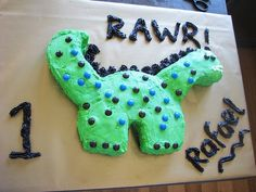 My little boy's scary 1st birthday dinosaur cake.