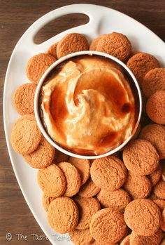 Pumpkin Cheesecake Dip for Gingersnaps ! This is Soooo Good Your Going to Love it !