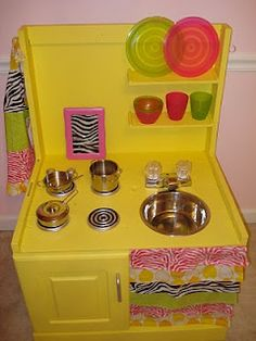 Another great take on the DIY play kitchen for your little one!