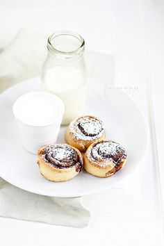 Cocoa Rolls with Milk