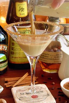 Pumpkin Pie Martini with Bourbon by WickedGoodKitchen.com #holiday #cocktail #recipe