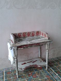 How to give a plain wooden piece of furniture a weathered look