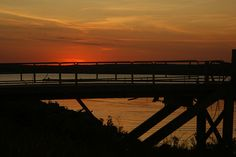 Sunset at Pier to the Cherokee Queen by Sirius_Photography, via Flickr