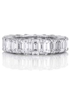 Marilyn Monroe: Baguette Eternity Band -  Joe DiMaggio proposed to Marilyn with a baguette-cut diamond eternity band. Its understated elegance is exactly why the style is still popular today