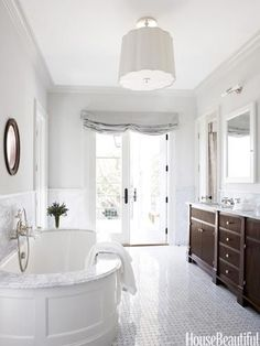Bathrooms That Prove Simple Is Chic