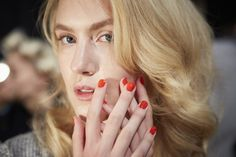 red-orange nails at Jenny Packham
