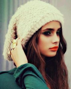 Orange lip. #orange #lipstick #beanie #smokyeye