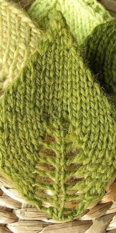 Des feuilles en tricot