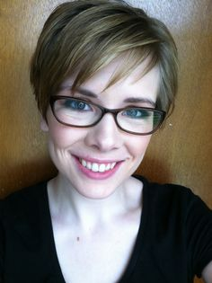 Pixie cut with glasses pixie with glasses, pixie cut with glasses