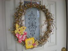 Love this wreath...especially the little frame!
