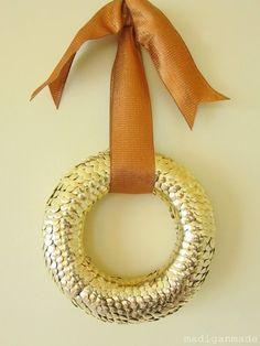 Thumb tack wreath