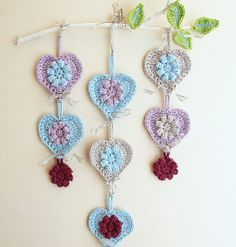 I think yarn crafts for kids are beautiful. What do you think?