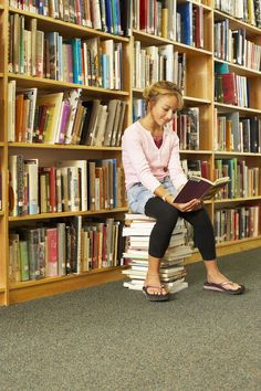 College Bound Reading List with helpful tips to encourage reading! #homeschool
