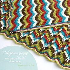 ... con trenzas en dos direcciones tejida a crochet con 5 colores de lana
