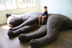 Giant Kitty Couch!!