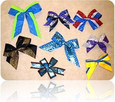 How to make a basic cheerleading bow. LOVE these hair bows for cheerleaders!