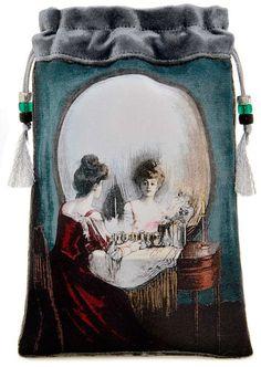 Skull?  Lady in a mirror?