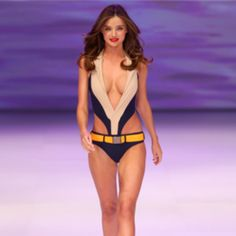 Miranda Kerr's Ballet Workout...all you need is a pair of 2-pound weights
