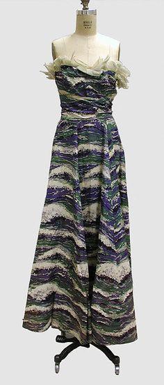 Evening dress Lucien Lelong  Date: 1939 Culture: French Medium: silk
