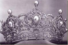 La tiara de la Archiduquesa Marie Valerie, Hija del Emperador Francisco Jose y de Sissi, hecha por Kochert de Viena a finales del siglo XIX