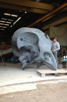 || Giant skull sculptures by Quentin Garel