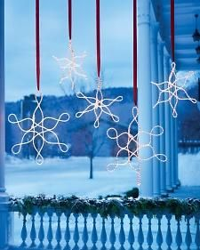 Outdoor Hanging Snowflake Ornaments How-To